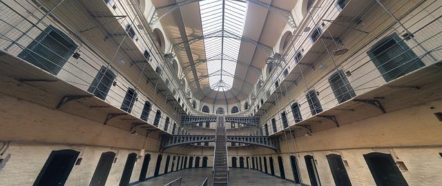 Jakie warunki panują w polskich więzieniach?