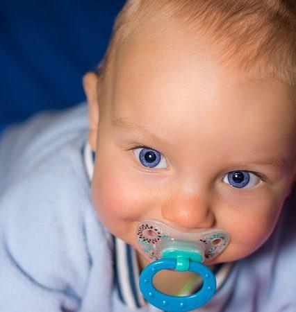 Czym przemywać oczy dziecku?