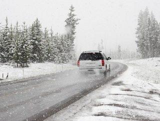 Jak dbać o lakier samochodu zimną?