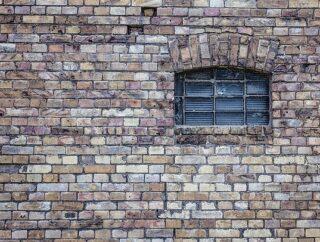 Osuszanie murów metodą iniekcji – na czym polega?